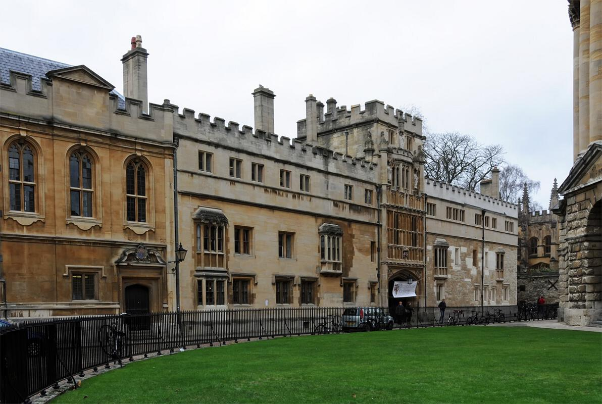 "oxford university thesis regulations History and economics at oxford handbook for the final honour school of  a second thesis, in addition to the papers listed under sections 1 to 6  syllabuses are published annually in the university's examination regulations (the ""grey book""), to which this handbook will frequently refer."